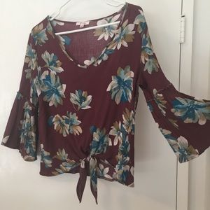 Tops - Small floral top with tie